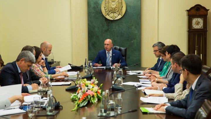 Victimele represiunilor politice vor beneficia de facilități suplimentare din partea Guvernului
