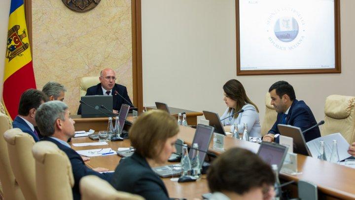 Procesul de achiziții publice va fi simplificat și îmbunătățit, conform normelor europene