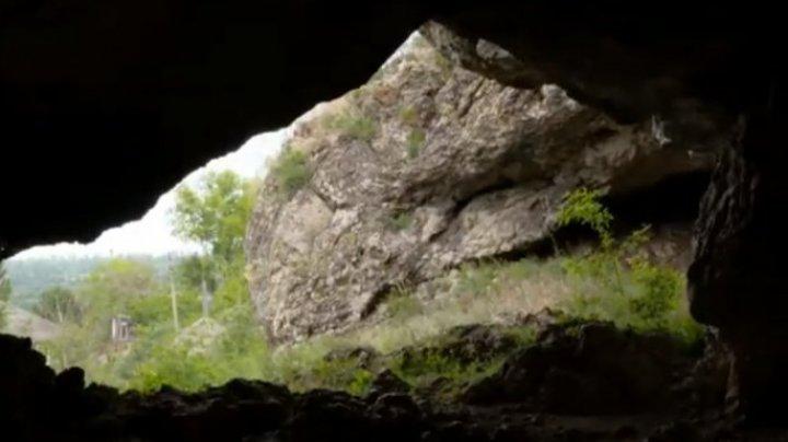 Cum arată cea mai faimoasă peşteră din Moldova (VIDEO)