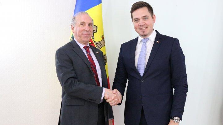 Tudor Ulianovschi a avut o întrevedere de lucru cu ambasadorul SUA