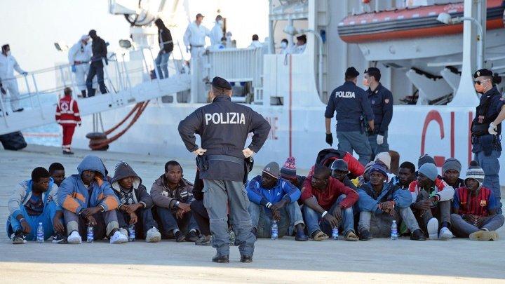 Italia: Mai mult de 900 de migranţi au debarcat în portul Catania din Sicilia