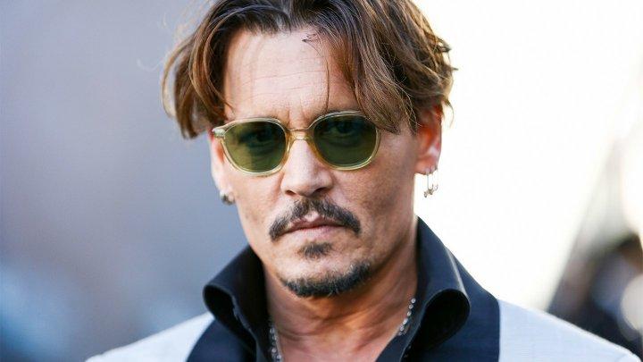 Johnny Depp are o iubită cu 30 de ani mai tânără. Femeia este o dansatoare din Rusia