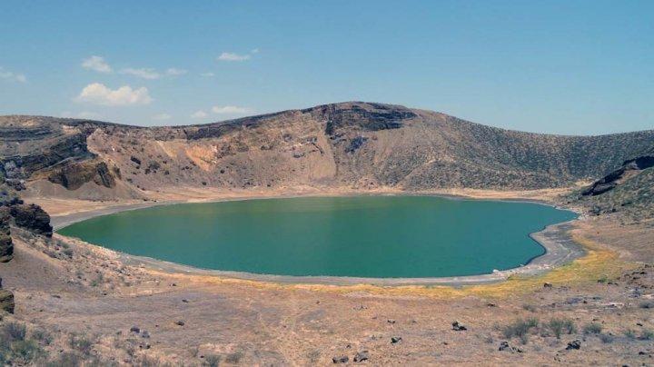 """Lacul Turkana din Kenya, considerat unul dintre """"leagănele omenirii"""", a fost inclus de UNESCO pe lista patrimoniului în pericol"""