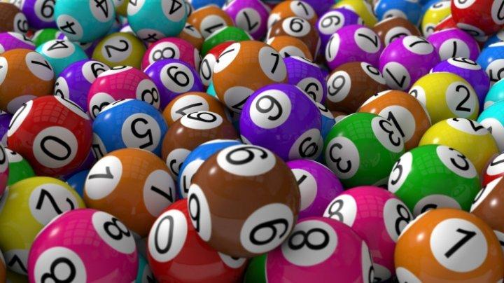 Ce va face cu banii britanicul care în ajun de Revelion a câştigat la loterie aproape 115 milioane de lire sterline