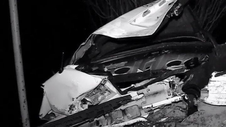 Beat şi fără permis de conducere. Un băiat de 18 ani a ajuns într-un şanţ de pe marginea drumului (VIDEO)