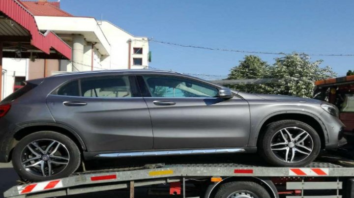 O maşină furată din Germania a fost depistată la P.T.F. Sculeni. Ce le-a declarat şoferul poliţiştilor de frontieră
