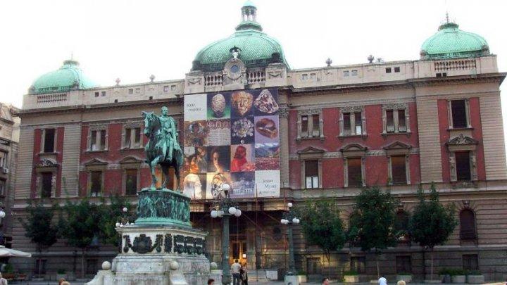 Muzeul naţional din Serbia s-a redeschis. La ceremonia de inaugurare au participat sute de oameni