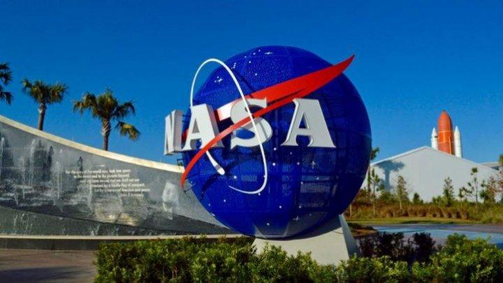 O femeie a dat în judecată NASA. Care este motivul