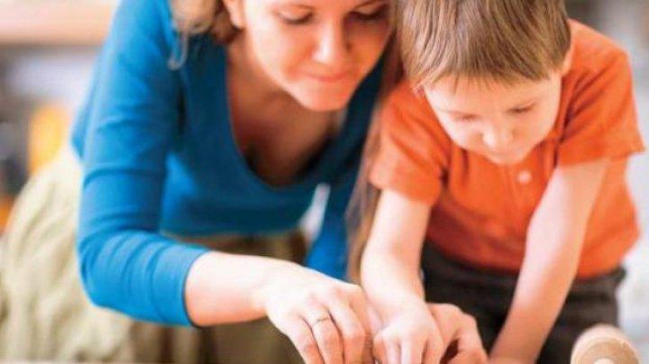 Trebuie să știi asta! Zece lucruri pe care trebuie să le faci în prezența copilului