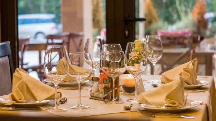 Danemarca: Restaurantele din Copenhaga, obligate să închidă la ora 22:00 în cadrul noilor măsuri anti-COVID