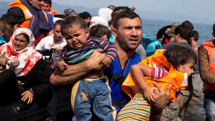 Un tribunal din San Diego a dispus reunirea familiilor de migranţi separate de poliție