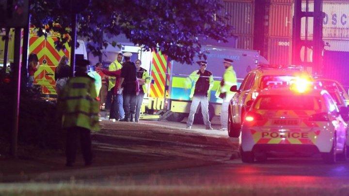 """""""Am văzut oameni aruncaţi în aer."""" O mașină a intrat în mulțime, la Manchester: SUNT RĂNIŢI (FOTO)"""