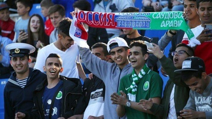 DECLARAŢIE HALUCINANTĂ a unei deputate din Rusia: Rusoaicele sunt rugate să nu facă sex cu turiștii negri la campionatul mondial de fotbal