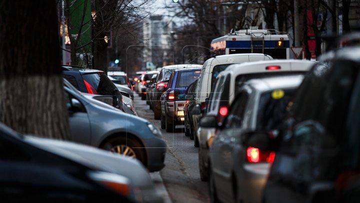 InfoTrafic: Accident rutier în Capitală. Cum se circulă la această oră