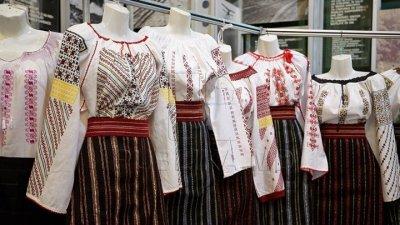 FESTIVALUL PORTULUI NAŢIONAL în satul Mândâc. Locuitorii au sărbătorit și au reînviat tradițiile vechi