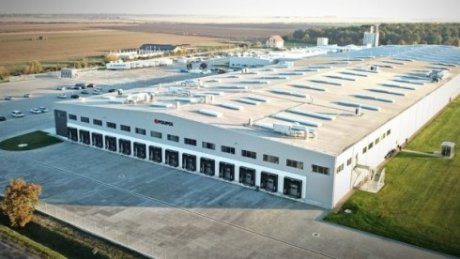 O fabrică de mobilă din România caută muncitori din Republica Moldova