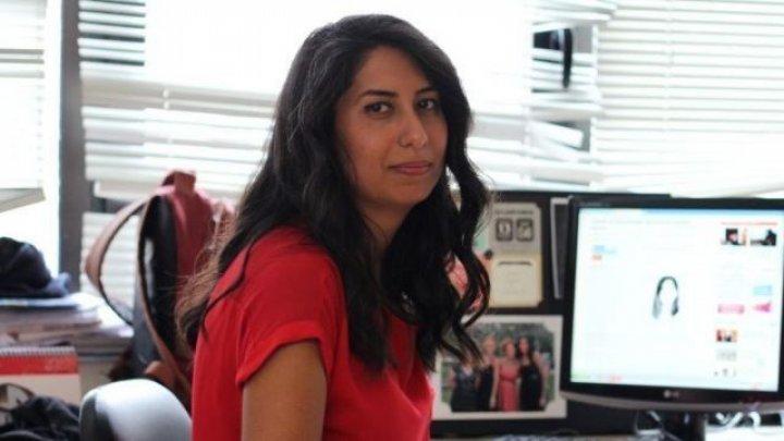 """""""O nouă pedeapsă pentru libertatea presei"""". O jurnalistă de origine turcă a fost condamnată la închisoare"""