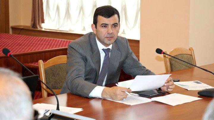 Chiril Gaburici către drumari: Toți cetățenii stau cu ochii pe fiecare metru de drum reparat. Dacă vom depista porțiuni necalitative, veți reface lucrările