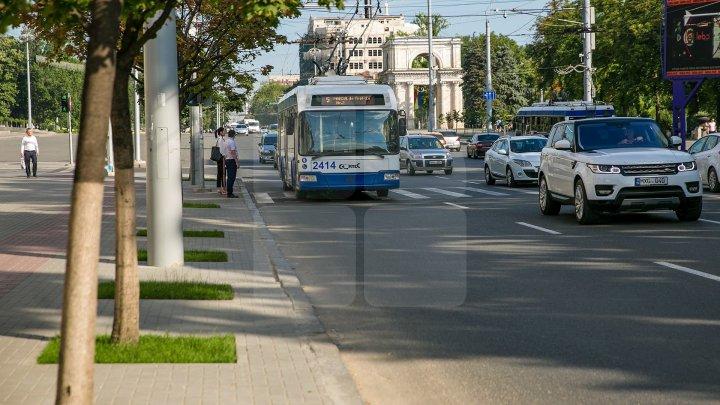 InfoTrafic: Flux majorat de transport în Capitală. Unde se circulă cu dificultate