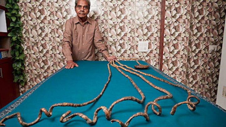 Un bărbat din India a intrat în Guinness Book. Are cele mai mari unghii (VIDEO)