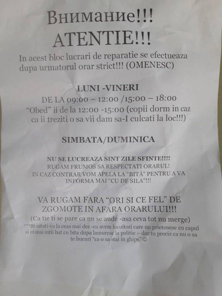 Locatarii unui bloc de locuit din Capitală, ȘOCAȚI. Ce anunț au găsit în fața casei (FOTO)
