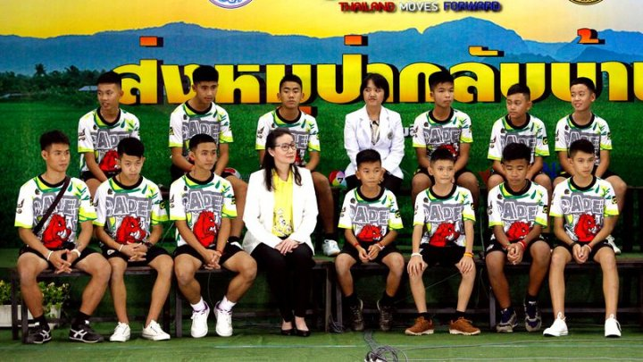 Micii fotbalişti thailandezi salvaţi din peşteră vor asista la Jocurile Olimpice de Tineret din Argentina