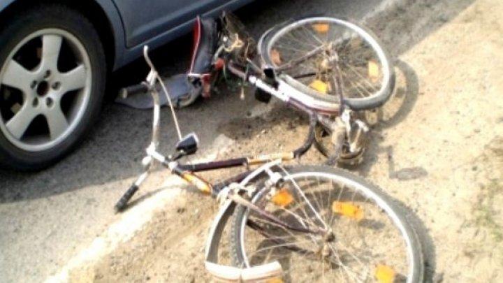 TRAGEDIE pe şosea în raionul Orhei. Un biciclist a fost spulberat de o maşină