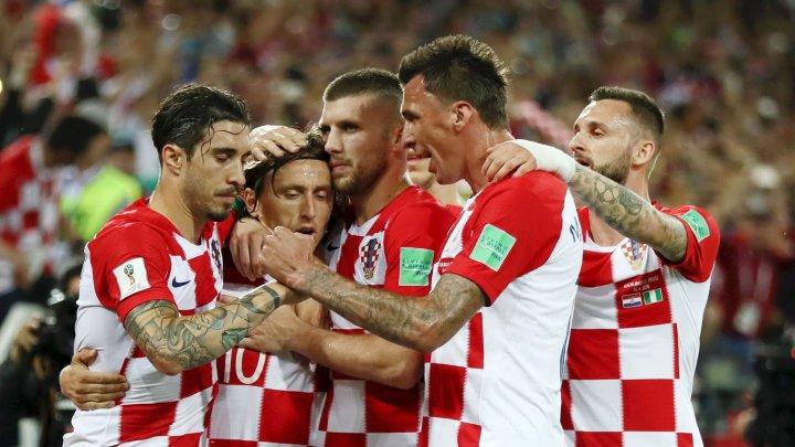 CM 2018: CROAȚIA ÎN EUFORIE! Preşedintele țării a cântat alături de fotbalişti