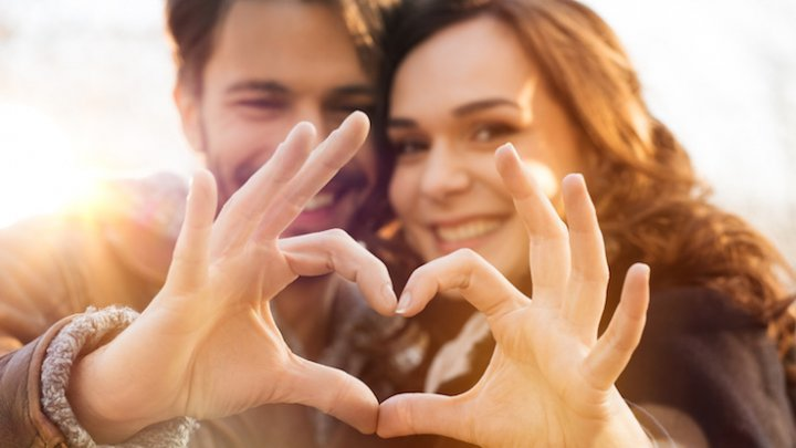 Răspunsurile la un test din 10 întrebări pot verifica trăinicia unei relaţii de cuplu. Încearcă şi tu