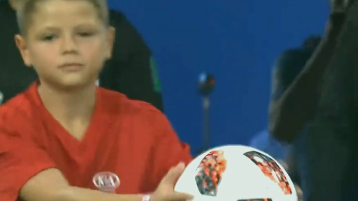 CM 2018. A trăit la Soci clipe memorabile! Moldoveanul Cristian Tabarcea, alături de Edinson Cavani şi Cristiano Ronaldo