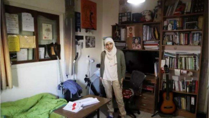 O poetă israeliană a fost condamnată la 5 luni de închisoare. Care este motivul