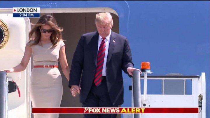 Melania Trump nu dă greş! Cum s-a îmbrăcat la vizita oficială din Londra (FOTO)