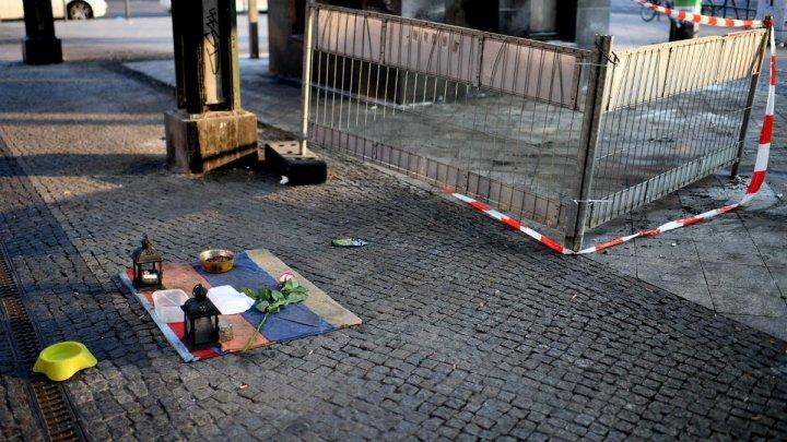 Doi bărbați fără adăpost au fost incendiați la o stație de metrou, la Berlin