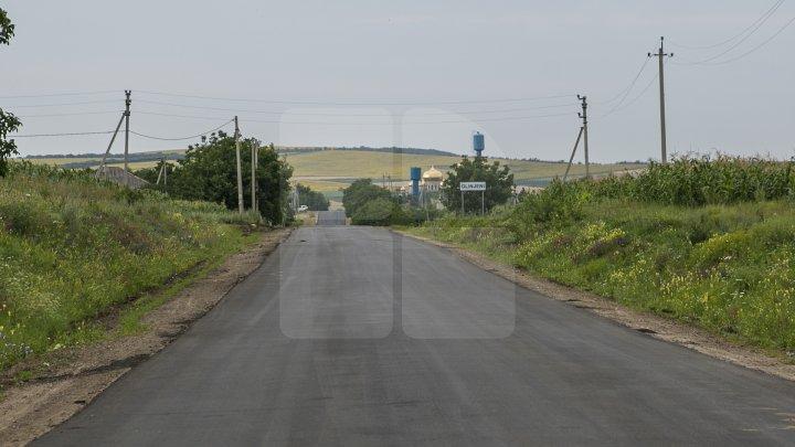 Programul Drumuri bune pentru Moldova. La Făleşti vor fi asfaltate drumurile din 33 de sate (FOTOREPORT)