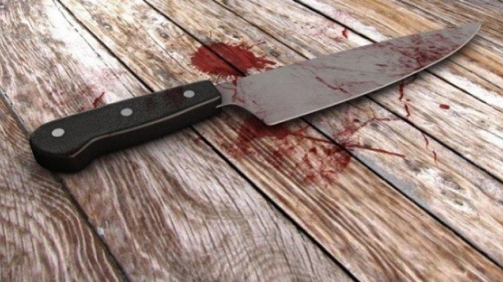CRIMA ORIBILĂ în sectorul Buiucani al Capitalei. Un bărbat, ucis cu SÂNGE RECE de vecinul său (VIDEO)