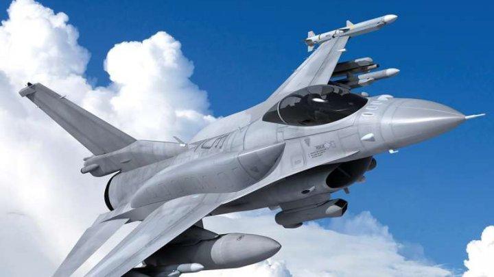 Slovacia va achiziţiona 14 avioane de luptă americane F-16
