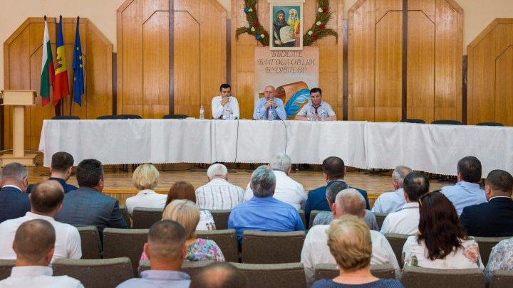 GUVERNUL, ŞEDINŢĂ DE LUCRU LA TARACLIA. Pavel Filip: Sistemul fiscal din Moldova va fi reformat