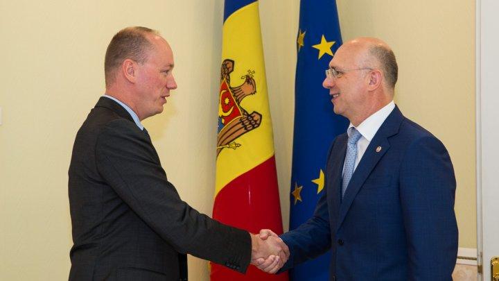 Directorul Executiv al FMI: Economia Moldovei nu va fi afectată de sistarea finanțării europene