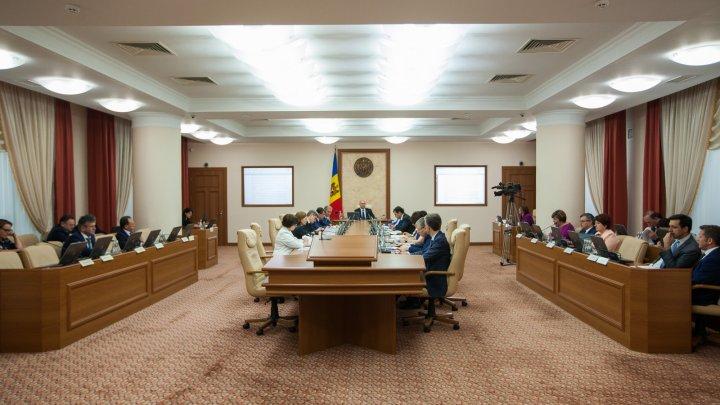 Executivul a aprobat distribuirea locurilor cu finanțare bugetară pentru anul de studii 2018-2019