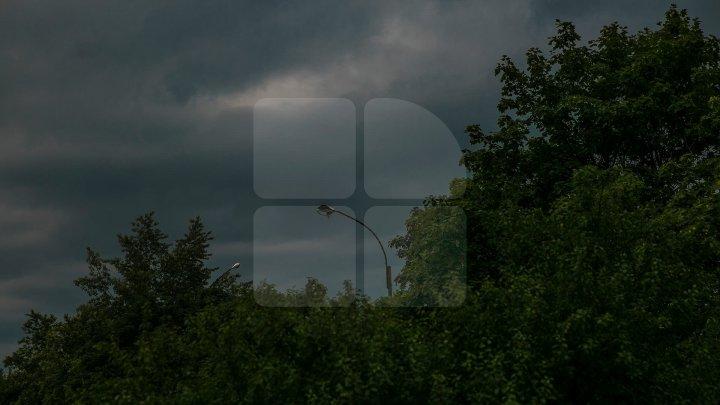 Se apropie FURTUNA de Moldova: Va ploua puternic cu grindină şi vijelie