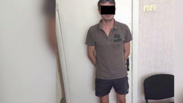 Incredibil. Un bărbat a fost furat de proprii prieteni. Cum s-a întâmplat (VIDEO)