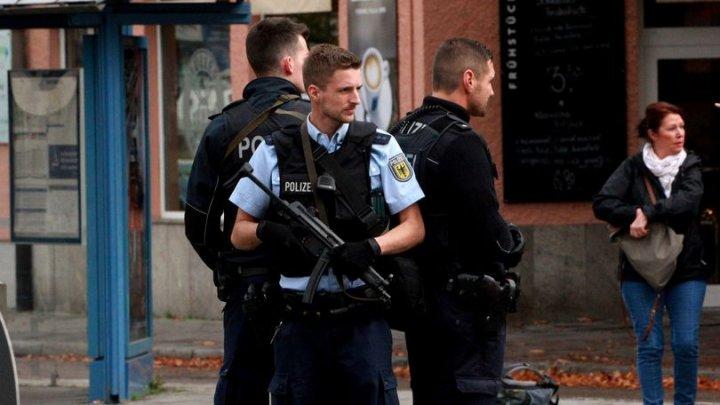 ATAC ARMAT într-un autobuz din Germania. Cel puţin 14 răniţi după ce un individ i-a atacat cu un cuţit