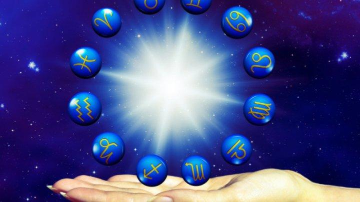 HOROSCOP: Zodiile care vor străluci în luna iulie. Norocul este de partea lor