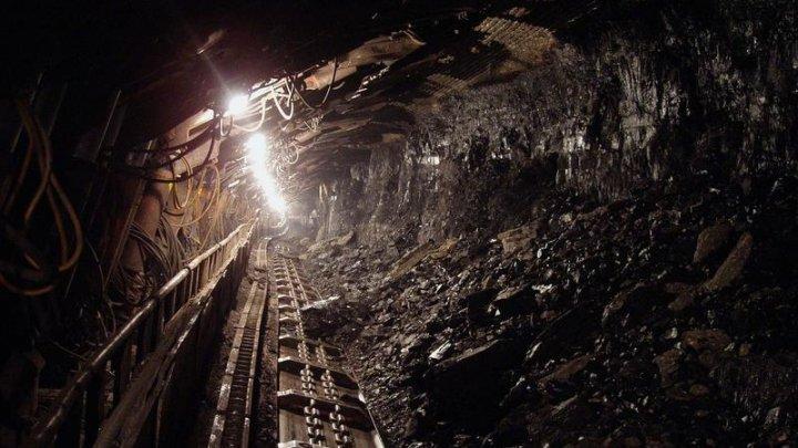 O nouă tragedie într-o mină din România. Un muncitor şi-a pierdut viaţa