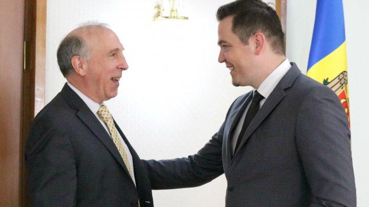 Ministrul Tudor Ulianovschi a avut o întrevedere cu ambasadorul SUA în Republica Moldova