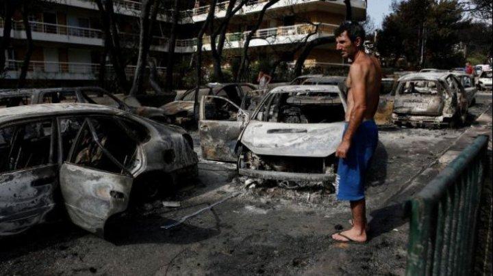 20 de turişti, de negăsit după incendiul din Grecia. Bilanţul deceselor continuă să crească