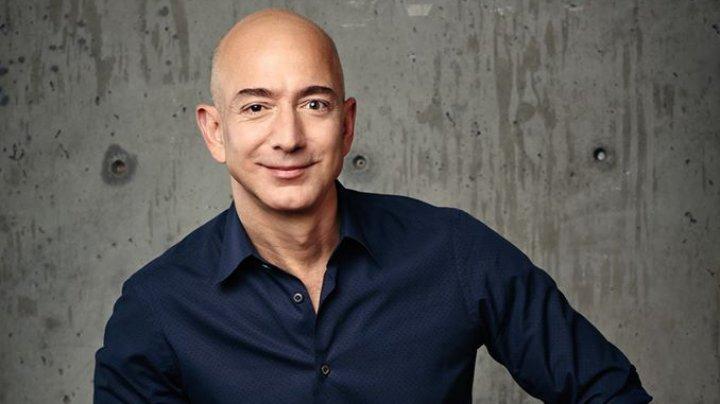 Şeful Amazon, Jeff Bezos, pe primul loc în topul celor mai bogaţi americani pentru al treilea an consecutiv
