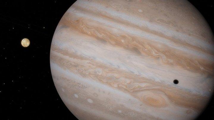 Zece noi sateliţi naturali, descoperiţi în sistemul lui Jupiter