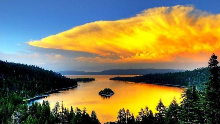Lacul Crater, safirul Statelor Unite, renumit în lume pentru albastrul intens şi claritatea apelor (IMAGINI CARE ÎŢI TAIE RESPIRAŢIA)