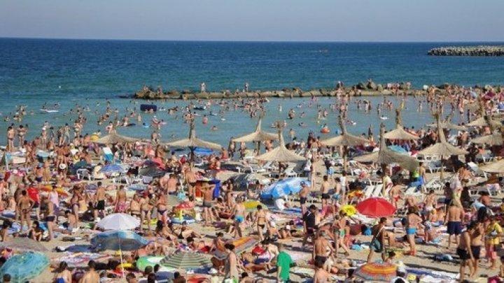 Valuri periculoase pe litoralul românesc. Trei turiști înecați în câteva ore